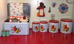VINTAGE BREADBOX & CANISTERS...WOODWARD FARM