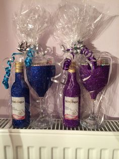 Great birthday present. Glitter wine glass gift set. Purchase online at www.facebook.com/theglitterroom