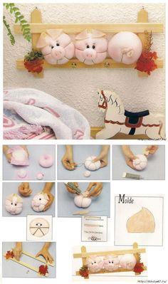Вешалка со свинками из капрона от Евгении. Pig Crafts, Diy And Crafts, Sewing Projects, Projects To Try, Crochet Pig, Sock Dolls, Felt Fairy, This Little Piggy, Soft Sculpture