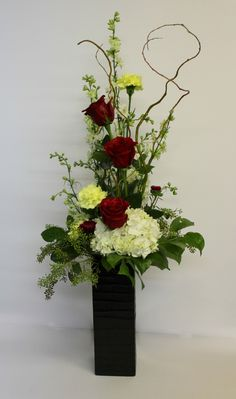 Oooo, classy and awesome - hydrangea and roses! Very romantic! Higdon Florist | Flowers and Gifts in Joplin, MO