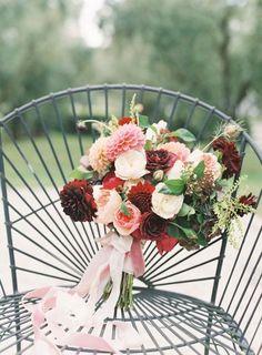Garden Florals / Fleuriste / Wedding Style Inspiration / LANE (instagram: the_lane)
