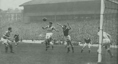 Hearts 5 Partick Thistle 1 in Oct 1958 at Hampden Park. Hearts defend a corner in the Scottish League Cup Final.