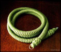 Stormdrane's Blog: A paracord camera strap...