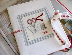 A Stitching Organizer by petits détails, via Flickr