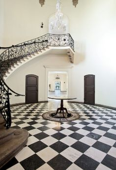 Take an inside look at some famous mansions of Los Angeles...