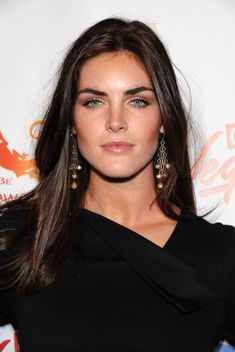 Hilary Rhoda ....love the warm makeup palette