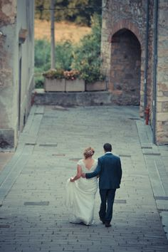Katie and Calvin's wedding in Umbria. The ceremony took place at the beautiful 13th Century Abbey of San Faustino, reception at Castello di Montignano.