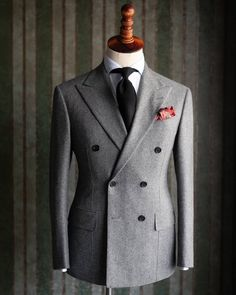 Grey flannel double breasted suit is arguably the most iconic and irreplaceable British style you can have in winter. Look at this Flannel Suit, Grey Flannel, Suit Vest, Dress Suits For Men, Men Dress, Formal Suits For Men, Mens Fashion Suits, Mens Suits, Fashion Hats