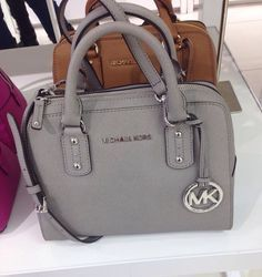 1a22ef55e5a6 Cheap Michael Kors Handbags Outlet Online Clearance Sale. All