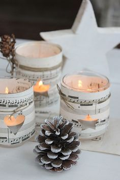 Blue Hortensia: DIY Love the Christmas music candles. Would be adorable with snowflake cut out. Noel Christmas, Christmas Candles, Christmas Music, All Things Christmas, Winter Christmas, Rustic Christmas, Christmas Crafts, Christmas Lights, Vintage Christmas