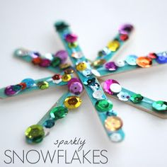 Sparkly Snowflake Craft for Kids Toddler Approved!: Sparkly Snowflake Craft for Kids Art And Craft Videos, Easy Arts And Crafts, Arts And Crafts House, Winter Art Projects, Easy Art Projects, Projects For Kids, Easy Christmas Ornaments, Christmas Crafts For Kids, Kids Crafts