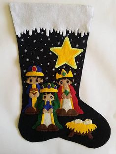 Start a new family tradition and memories that will last with your own personalized stockings! My children love hanging theirs up each year … Beaded Christmas Ornaments, Christmas Nativity, Christmas Decorations, Christmas Sewing, Christmas Projects, Holiday Crafts, Vintage Christmas Stockings, Xmas Stockings, Felt Stocking