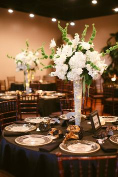 something like this with red flowers. Tall Hydrangea Centerpieces with Glowing LED Lights in Vase Diy Halloween Wedding Ideas, Halloween Wedding Centerpieces, Wedding Vases, Wedding Table Centerpieces, Diy Wedding, Wedding Decorations, Wedding Pins, Purple Wedding, Trendy Wedding