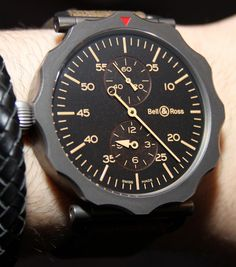 #BellAndRoss WW2 Regulateur. Modeled on bombardier timers, the main dial is minutes, with subdials for hours and seconds. It's a large 49 mm diameter, but is pretty thin and looks very cool. #want