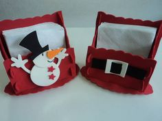 Porta guardanapos feito e decorado em E.V.A. Ótima opção para decorar sua mesa de Natal. R$ 4,02