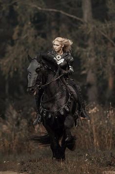 The Black Knight on a Black Horse Warrior Girl, Fantasy Warrior, Warrior Princess, Fantasy Art, Fantasy Inspiration, Character Inspiration, Character Art, Fantasy Photography, Horse Photography