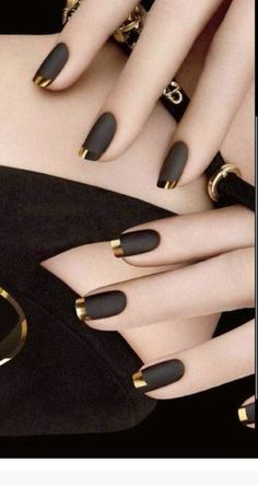 Gold Tip Nails, Gold Nail Art, Black Nail Art, Matte Black, Black Gold Nails, White Nails, Black Nail Tips, Edgy Nail Art, Gold Manicure