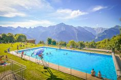 In an extraordinary setting, the pool heated at offers you a magnificent panorama over the Rhône valley. Heated Pool, Swimming Pools, Earth, Places, Outdoor Decor, Pools, Swiming Pool, Lugares