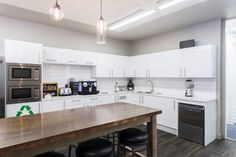 Office Tour: WME Entertainment – London Offices : Clean, bright and simple Workroom Kitchen WME Entertainment Office designed by The Interior Group Breakout Area, News Space, Interior Design, Design Interiors, Entertaining, London, Offices, Bright