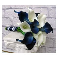 Calla lily Wedding bouquet Navy blue white real touch bridesmaid... ❤ liked on Polyvore featuring home, home decor, floral decor, flower stems, flower bouquets, blue and white flower bouquets, calla lily flower bouquets and navy home decor