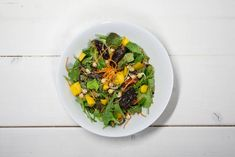 The Green Happiness' mango-dadelsalade Mango, Sprouts, Avocado, Vegetables, Healthy, Food, Happiness, Tomatoes, Manga