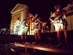 Grazie ai @lou_tente__and_the_cameltoes per lo splendido #concerto di ieri sera a #calliano in occasione della nona edizione di #trapiazzeecortili. Credits: @alessandro.sorce  #asti #piemonte #summer #estate2018 #estate #musica