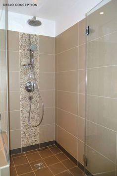 La douche parentale: Salle de bain de style de style Classique par Desjoconceptiola douches n