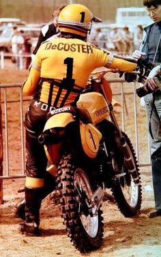 De Coster and suzit :-) Suzuki Dirt Bikes, Suzuki Motocross, Motorcross Bike, Motocross Riders, Enduro Motorcycle, Motorcycle Types, Enduro Vintage, Vintage Motocross, Vintage Bikes