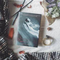 """Sandra    Bookstagram en Instagram: """"🌟 ¿Alguna vez os habéis enamorado de un libro por su portada? 🌟 A mí me ha pasado innumerables veces, en algunas me salió bien y en…"""""""