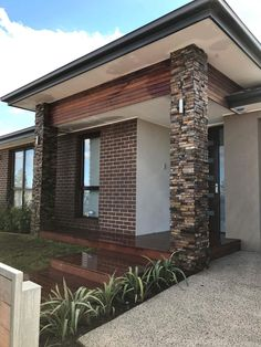 masonry out front Exterior Wall Cladding, Exterior Tiles, Stone Cladding, Exterior Design, House Pillars, Stone Feature Wall, Stone Wall Panels, Front House Landscaping, Stacked Stone Walls