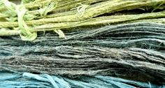 Spinning straw into gold? Not quite, but spinning the fibers of stinging nettles into textiles or fabrics to make clothing is indeed something special. Diy Gifts To Make, Flax Fiber, Spinning Wool, Weird Gifts, Urban Survival, Plant Fibres, Textile Fabrics, Bushcraft, Basket Weaving