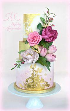 Ideas Wedding Cakes With Cupcakes Gold Sugar Flowers Unique Wedding Cakes, Beautiful Wedding Cakes, Gorgeous Cakes, Wedding Cake Designs, Pretty Cakes, Amazing Cakes, Gateaux Cake, Candy Cakes, Wedding Cakes With Cupcakes