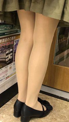 Beautiful Legs, Beautiful Women, Patterned Tights, Nice Legs, Tight Dresses, Asian Fashion, Cute Shoes, Beauty Women, Stockings