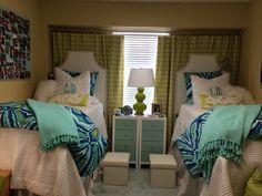 25 Preppy Dorm Rooms To Copy – – Dorm Room İdeas 2020 Ole Miss Dorm Rooms, Cute Dorm Rooms, Girl Room, Girls Bedroom, Bedrooms, Bedroom Decor, Bedroom Ideas, Preppy Dorm Room, Dorm Life