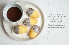 These Lamington Madeleines (or Madelamingtons) are a cute Australian twist on a French classic. Light and fluffy madeleines dipped in chocolate and then sprinkled with coconut. Recipe with step-by-step photos. Baking Recipes, Cake Recipes, Baking Ideas, Melting Chocolate, Coconut Chocolate, Great Recipes, Favorite Recipes, Delicious Recipes, Madeleine Recipe