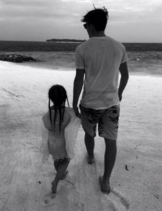 Cute: Brooklyn Beckham shared the moment he and little sister Harper shared a hand-in-hand stroll along the beach on their recent New Year's family break Siblings Goals, Family Goals, Harper Beckham, David Beckham, David Mazouz, The Beckham Family, Broken Families, Four Year Old, Poses