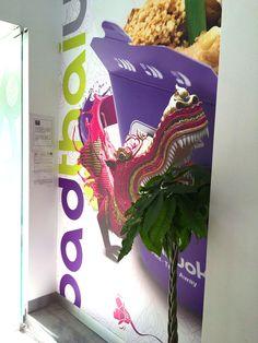 PadThaiWok Rincón de la Victoria en Avda. del Mediterráneo, 139. 29730 Rincón de la Victoria. Tel. 952 02 60 65 / 633 05 09 99. Thai Noodles Bar. Restaurante de Cocina Tailandesa Moderna y Asiática en Rincón de la Victoria. Comida para llevar y Servicio a Domicilio en Rincón de la Victoria.