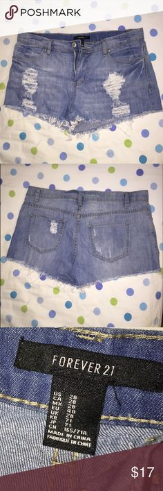 Cute and casual distressed jean shorts Casual and comfortable denim shorts (medium/high rise) Forever 21 Shorts Jean Shorts