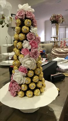 Ferrero Rocher Tower The Effective Pictures We Offer You About Decoration plants A quality picture c Anniversary Decorations, 50th Wedding Anniversary, Birthday Decorations, Wedding Decorations, Candy Arrangements, Candy Centerpieces, Deco Baby Shower, Gold Baby Showers, Candy Table