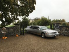 Limos in Dublin Meath by AKP Chauffeur Drive offers luxurious limo hire in Meath Ireland. Voted best limousine hire service in Dublin Limousin, Stretch Limo, Wedding Car Hire, Wedding Venues, Best Friend Speech, Dublin Airport, Mercedes E Class, Party Bus, Transportation Services
