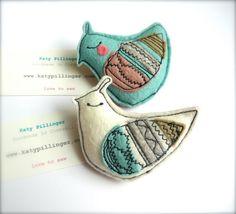 Little Bird Brooch felt por KatyPillingerDesigns en Etsy