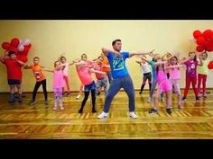 Zumba Kids (easy dance) – I like to move it – Fitness Hacks Dance Activities For Kids, Gym Games For Kids, Pe Activities, Yoga For Kids, Exercise For Kids, Kids Fun, Zumba Kids, Easy Dance, Kids Moves