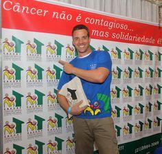 """♥ Celebridades apoiam """"Desfile Solidário"""" em prol da Casa de Apoio à Criança com Câncer de Santa Teresa ♥  http://paulabarrozo.blogspot.com.br/2015/08/celebridades-apoiam-desfile-solidario.html"""