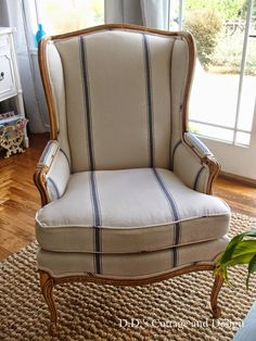 & # s Cottage and Design: My New Grain-sack Chair D. & # s Cottage and Design: My New Grain-sack Chair Diy Chair, Chair Fabric, Chair Pads, Chair Makeover, Furniture Makeover, Muebles Shabby Chic, French Country Rug, Rustic French, French Cottage