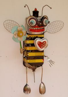 You're the bees knees | SOLD | anthonypack | Flickr Recycled Robot, Recycled Art, Repurposed, Found Object Art, Found Art, Metal Animal, Recycling, Scrap Metal Art, Bees Knees