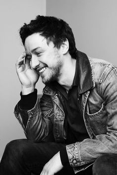 James McAvoy. God, how I love his smile...