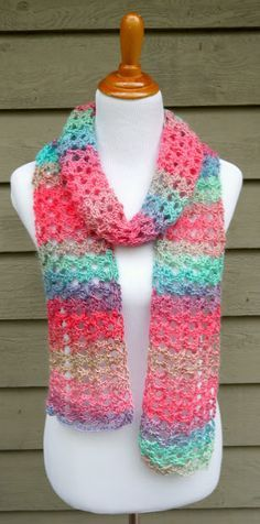 Island Lace Crochet Scarf | The sunset coloring of this easy crochet scarf pattern is so compelling, and it's a perfect summer scarf to boot!