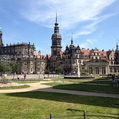 Never forget this city in eastern Germany, remnants of WWII still exist: Dresden in Sachsen