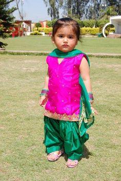 Little girl in suit Punjabi Girls, Punjabi Dress, Punjabi Suits, Kids Salwar Kameez, Kurti, Cute Kids, Cute Babies, Kids Indian Wear, Mother Daughter Dresses Matching