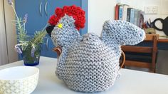 Knitted Teapotwarmer or teapotcozy by tikuchi☕️ How do you like it? It will be keeping your tea nice and warm. For more handcrafted garments please visit my Etsy shop here: https://www.etsy.com/au/shop/tikuchi  #knitting #knitaddict #knittersofinstagram #etsysellersofinstagram #handmadeisbetter #supportsmallbusiness #supporthandmade #melbournemade #melbournemakers #wool #yarn #kitchenaccessories #accessories #staywarm  #teacozy #teapotwarmer #teatime